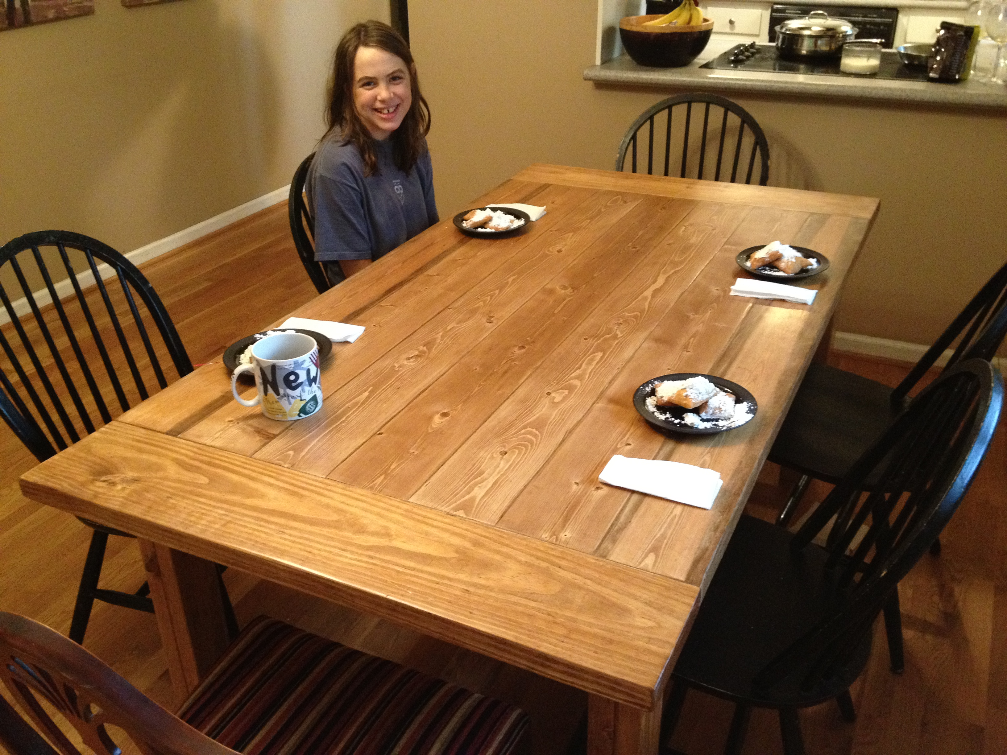 Free plans for making a rustic farmhouse table a lesson for Rustic dining room table plans