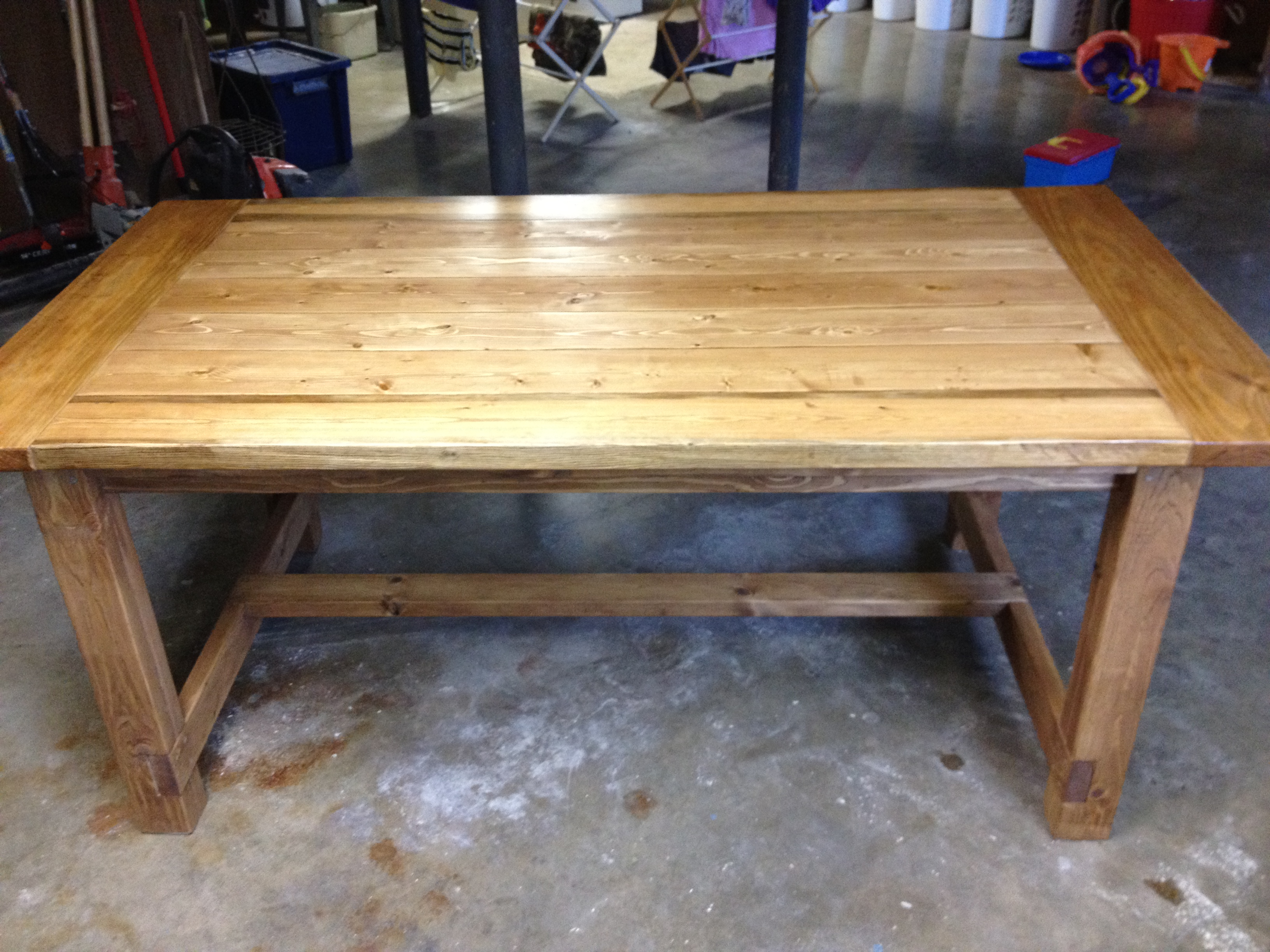 Free Farmhouse Table Plans: Free Plans For Making A Rustic Farmhouse Table